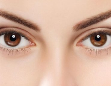 How to Arch Eyebrows the Right Way