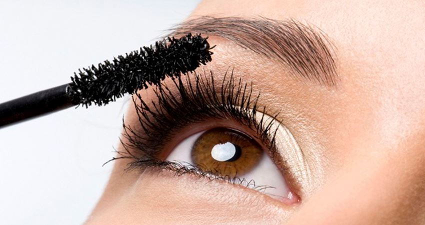 The Various Eyelash Growth Products: Which Is the Best?